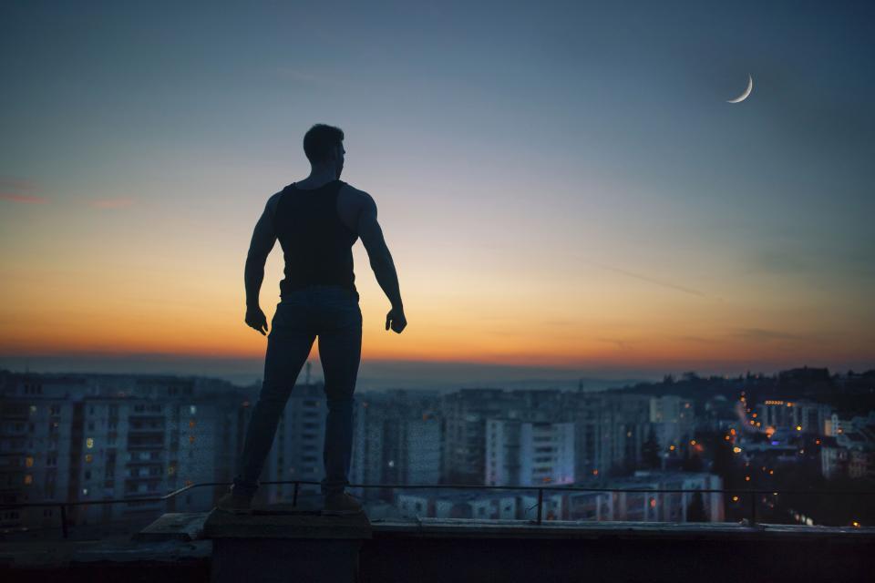 چگونه شخصیتی افسانه ای برای خود بسازیم