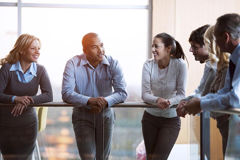 چگونه با اعتماد به نفس در جمع صحبت کنیم