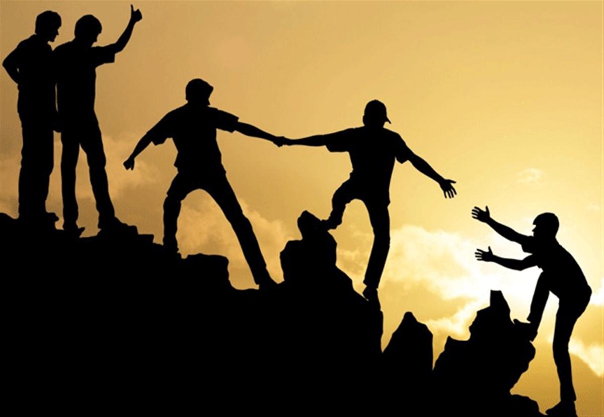اطراف خود را افراد باهوش تر از خودتان احاطه کنید