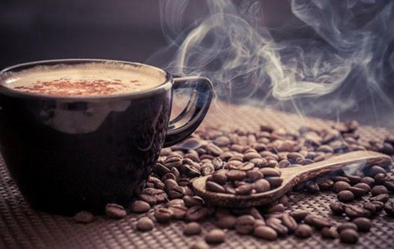 چرا مصرف روزانه کافئین، یک قاتل خاموش برای موفقیت است؟